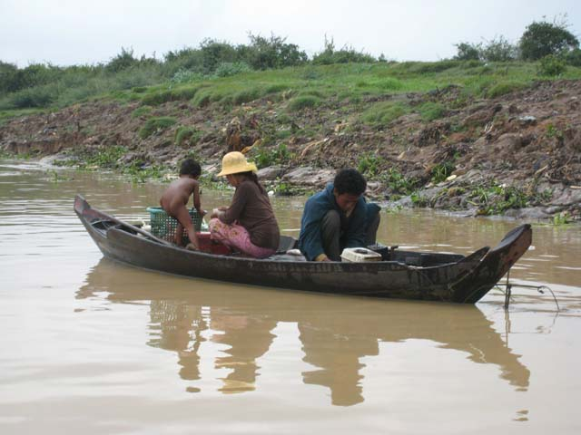 Fishing on the Tonle Sap