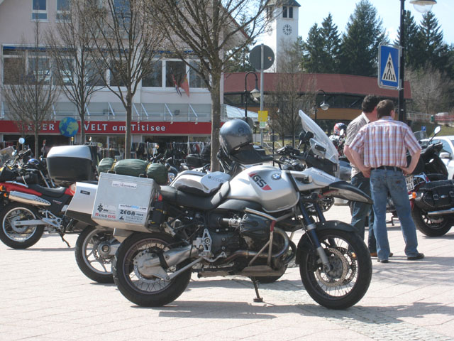 Parked up on the pavement, Titisee