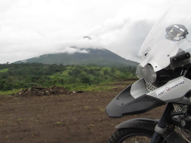 Volcan Arenal, obscured by clouds...