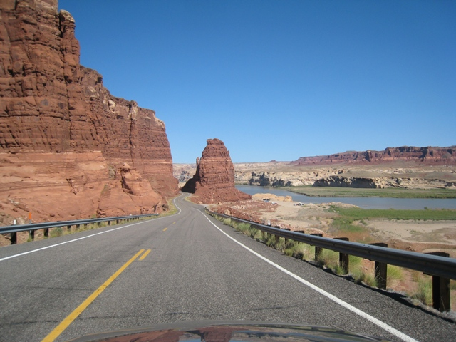Approaching Hite at the top of Glen Canyon